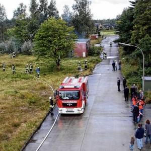 Reibungslos verlief die Einsatzübung der Freiwilligen Feuerwehr Wallsbüll im Gewerbering.<br />Foto: rmw