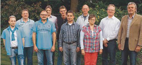 Die neue Wallsbüller Gemeindevertretung mit Bürgermeister Werner Asmus (v.r.) und seinen Stellvertretern Andreas Pauckert und Gerda Wiborg-Lambertsen.Foto: RMW