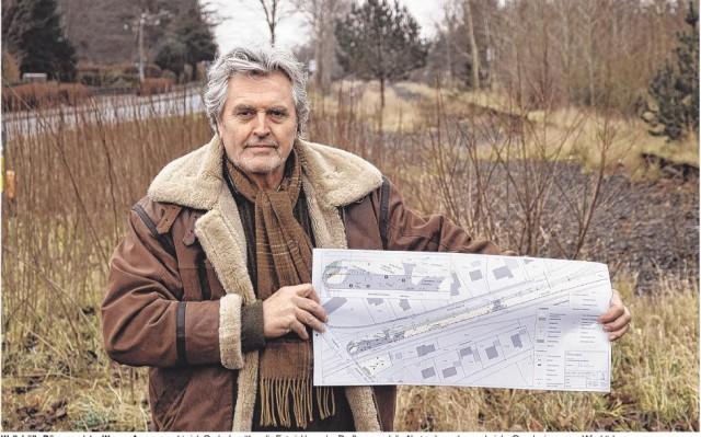 Wallsbülls Bürgermeister Werner Asmus macht sich Gedanken über die Entwicklung des Dorfkerns und die Abstandsregelungen bei der Genehmigung von Windrädern. Foto: Friedrichsen