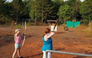 Bogenschießen und Luftgewehrschießen