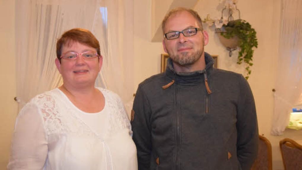 Die Vorsitzende im Sozialausschuss Heide Brodda freut sich auf die Unterstützung von Sven Schmidt. Foto: Reinhard Friedrichsen